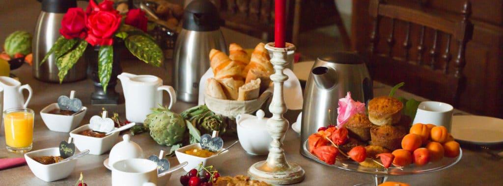 Petits-déjeuners-en-maison-d'hotes