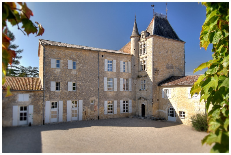 Chateau de Mons Gers- façade-cour