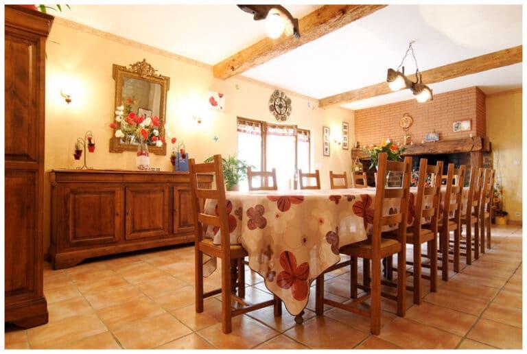 Maison d'hôtes Gîtes de France - salle à manger table d'hôtes Gers