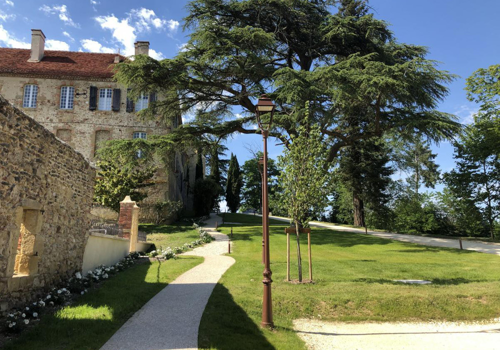 Chateau-Monastere-st-mont-Gers