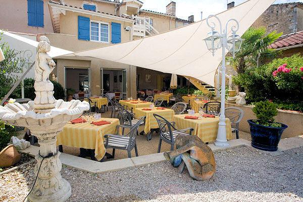 Hôtel-restaurant-Condom-Gers Terrasse exterieure
