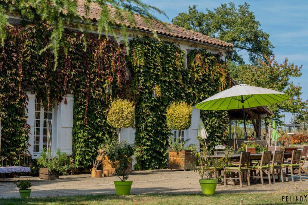 Maison-dhôtes-Gîtes de France-chateau-roquebere-condom-gers-terrasse-photo-michelleb.